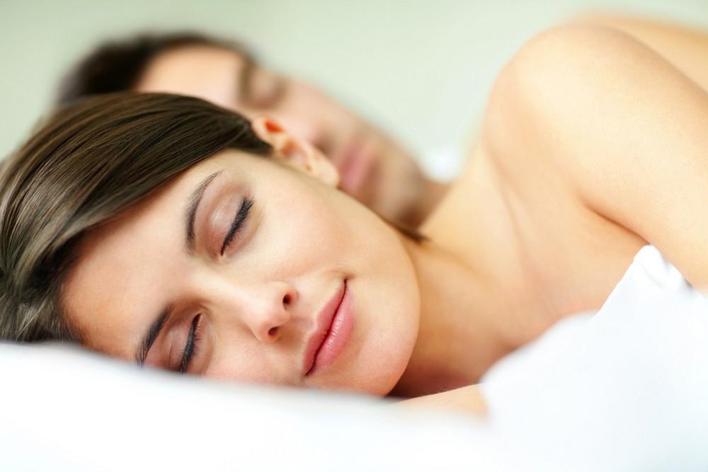 nyugodt alvás
