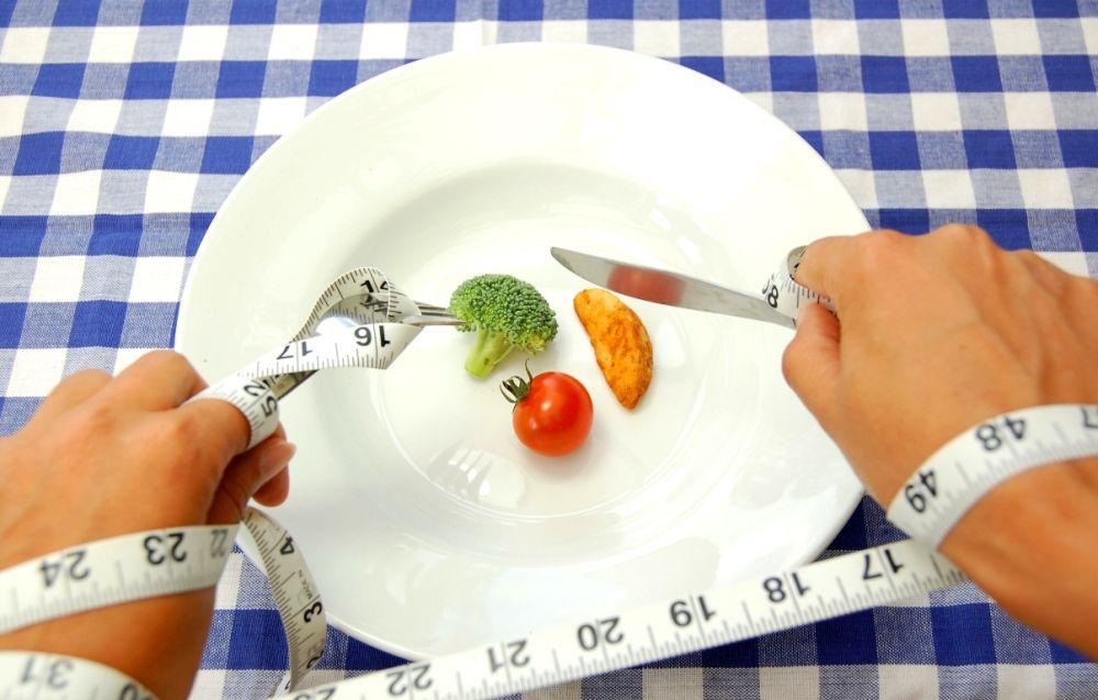 Négy hét alatt akár mínusz 12 kiló: dietetikus által összeállított étrenddel