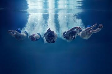 úszók