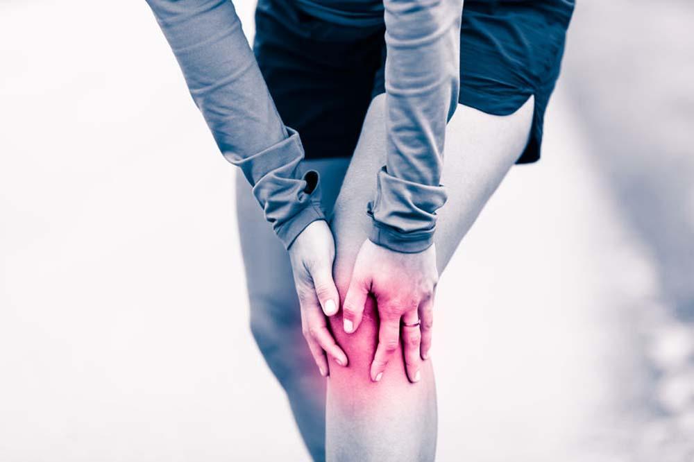 Ízületi fájdalom és hirtelen fogyás. Melyek a jellegzetes tünetek?