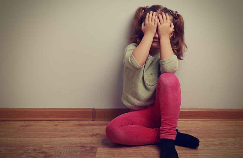fizikai bántalmazás a randi kapcsolatokban