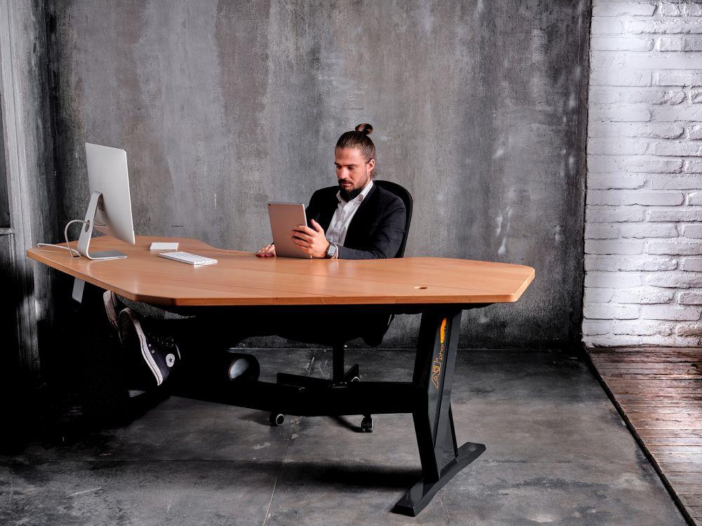 Lefogy felállni íróasztal
