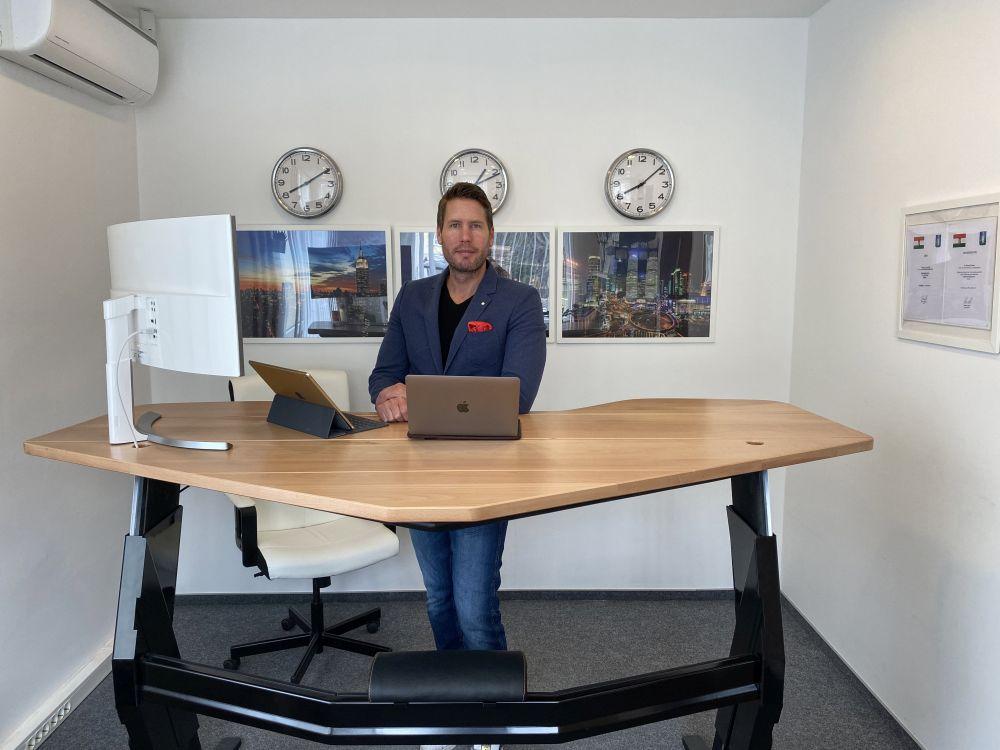 felállni íróasztal fogyás